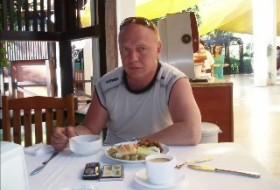 Oleg, 59 - Just Me