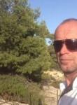 Naser, 33  , Zagreb