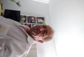 Cláudio, 60 - Just Me