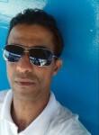 Carlos , 40  , Salvador