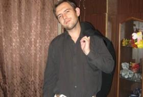Mikhail, 38 - Just Me