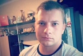 Yakov Nikolaev, 30 - Just Me