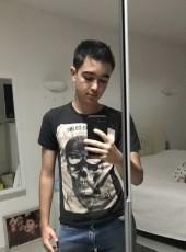 Adriano, 19, France, Marseille