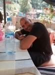 benbrahim, 48  , Les Mureaux