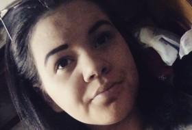Katerina, 20 - Just Me