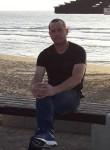 Oleg, 18  , Chisinau