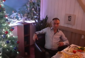 Vasif, 44 - Just Me