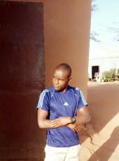 Hama Amadou sa, 27, Niger, Niamey
