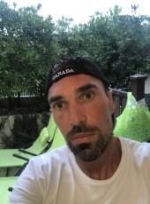Warns, 39, France, Paris