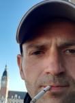 Aleksandr, 32  , Brussels
