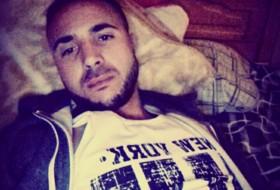 mohadz, 28 - Just Me