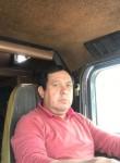 Luis, 48  , Santiago