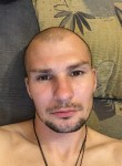 Oleg , 32  , Smolensk