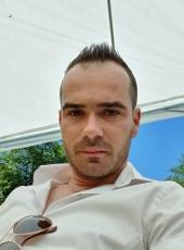 Liviu, 27, Romania, Sighetu Marmatiei