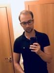 Maksim, 28, Saint Petersburg