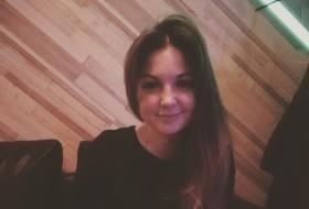 Katya, 40 - Just Me