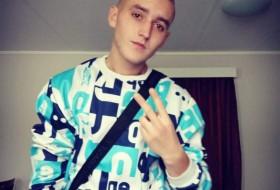 Paweł, 20 - Just Me