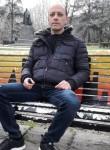 Roberto, 48  , Novara