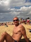 bernard, 43  , Rueil-Malmaison