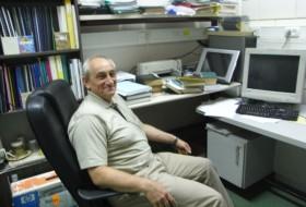 Viktor, 59 - Just Me