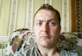 Vladimir, 19 - Just Me
