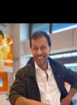 Mahmoud, 40  , Milano