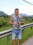 José , 40  , Meadow Woods