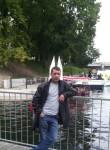 Vladic, 37  , Paris
