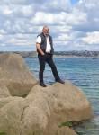 yannick, 45  , Brest