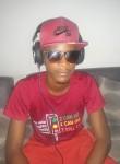Woundi Glenn, 25  , Libreville