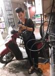 binn hoàng, 21  , Hanoi