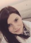 Natalie, 27  , Battersea