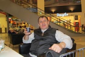 vladimir, 59 - Just Me