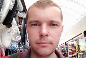 Zhenya, 36 - Just Me