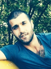 Alessandro, 35, Italy, Rimini