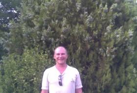 sergei, 56 - Just Me