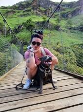 Lynne, 24, Spain, Pamplona