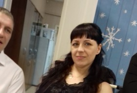 Elena , 29 - Just Me