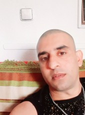 israr, 30, Spain, Nou Barris