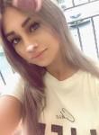 Sandra, 23, Paris