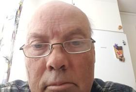 Bertis , 53 - Just Me