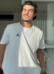 Lucas, 20  , Osasco