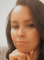 thayna lonnen , 23, United States of America, Grayslake