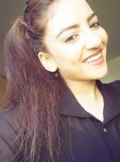 Yara, 25, Israel, Tel Aviv