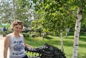 Darya, 34 - Just Me