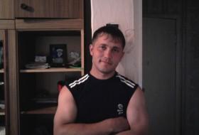 Igor , 34 - Just Me