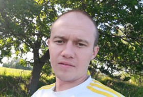 Evgeniy , 28 - Just Me