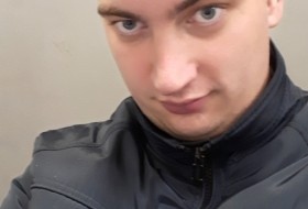 Anton, 31 - Just Me