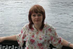Larisa, 47 - Just Me