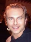 Dmitrii Rebrov, 35  , Canada de Gomez